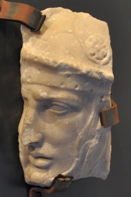 Hoofd van een soldaat, afkomstig van de Triomfboog van Titus (Capitolijnse Musea)