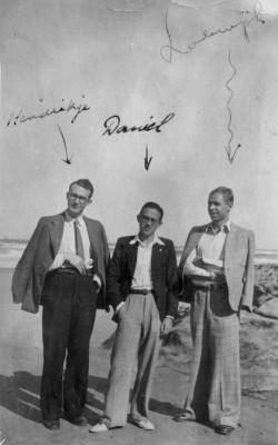 De Moulin met Engelandvaarders Jan Willem Gaillard en Lodewijk Parren in Portugal. Bron: Het Utrechts Archief.