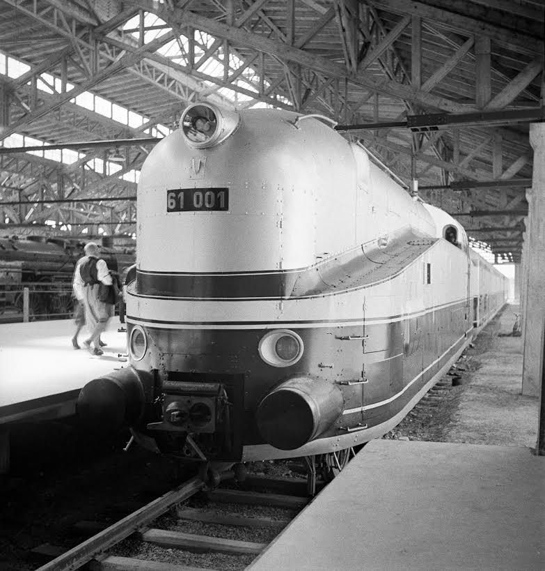 Henschel-Wegmann-Zug in Nürnberg, 1935 (Fritz Eschen/Deutsche Fotothek)