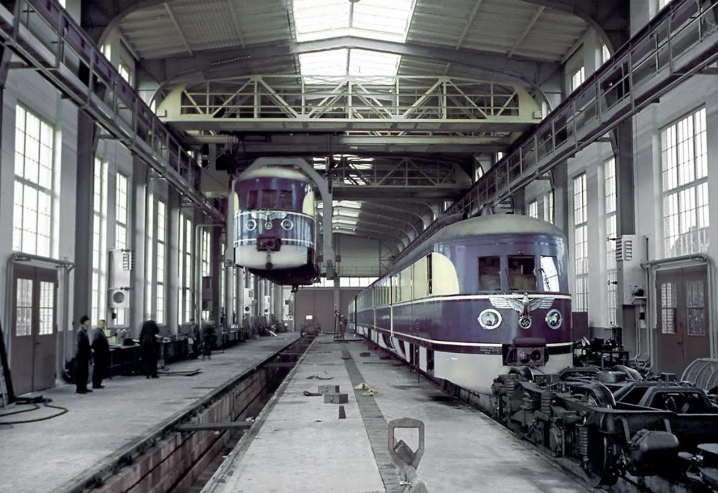 Fliegende Züge in onderhoudswerkplaats Wittenberge, 1938 (Walter Hollnagel/Eisenbahnstiftung)