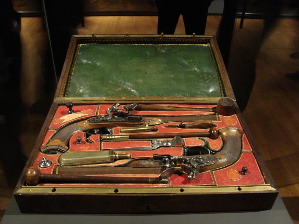 Cassette met pistolen van Napoleon (E. Ruis 2015)