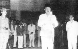 Soekarno roept de onafhankelijkheid uit. (Publiek Domein - wiki)