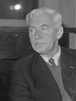 Bernard Victor Aloysius Röling (1972)