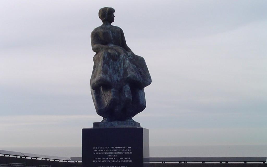 Urker vissersmonument - monument ter nagedachtenis aan de op zee omgekomen vissers