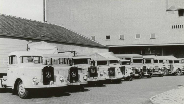 Vrachtwagens bierbrouwerij De Drie Hoefijzers in Breda, 1940 (bron: Stadsarchief Breda)