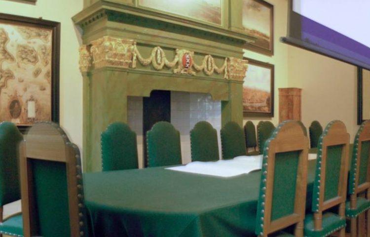 Gerestaureerde vergaderzaal van de Heren XVII in het Oost-Indisch Huis.