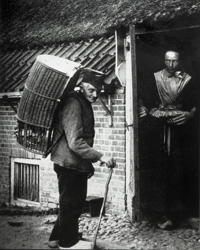 Foto van een marskramer, 1899 - © Henk Boudewijns