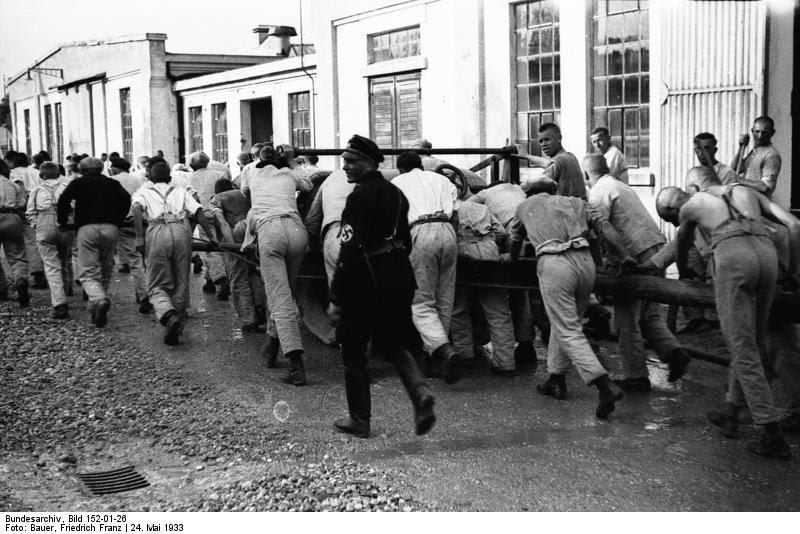Kamp Dachau in 1933. Bron: Bundesarchiv Duitsland, Bild 152-01-26