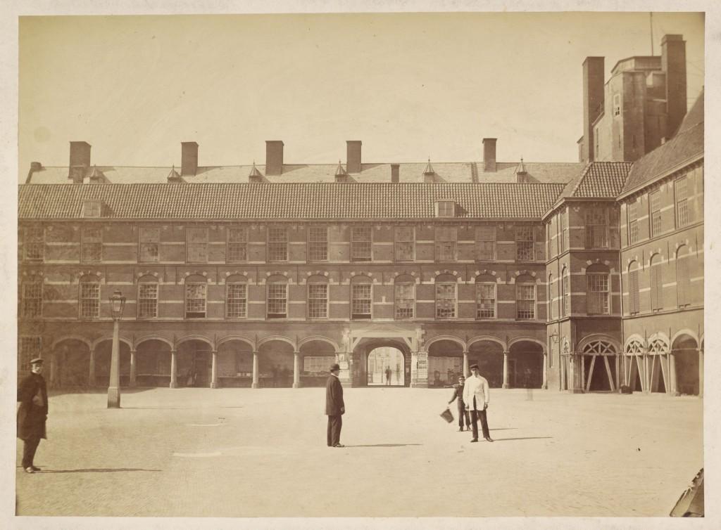 Maurits Verveer, Binnenhof complex Den Haag, ca. 1865-1870, repro. Nationaal Archief / Tekeningenarchief van de Rijksgebouwendienst (RGD) en rechtsvoorgangers