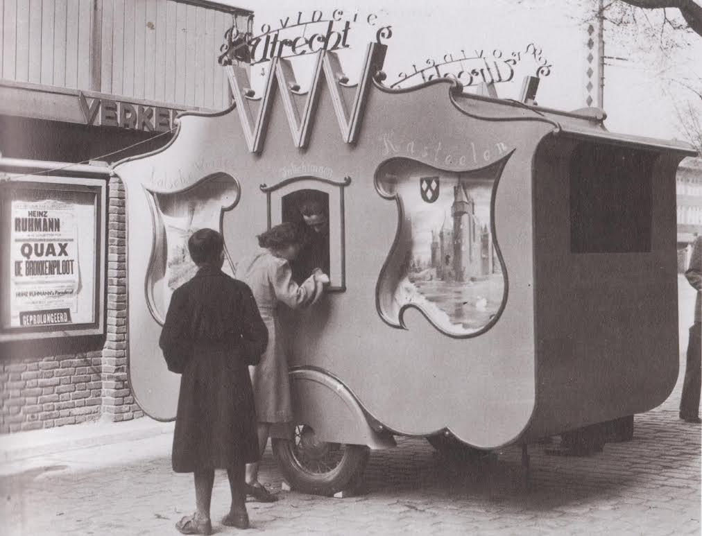 VVV-propagandawagen, ontwerp van Sybold van Ravesteyn.  Bron: boek