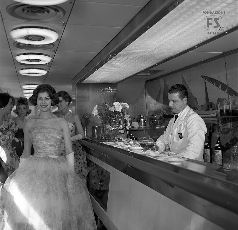 Modeshow in de Settebello, 1959 (Ferrovie dello Stato Italiane/Flickr)