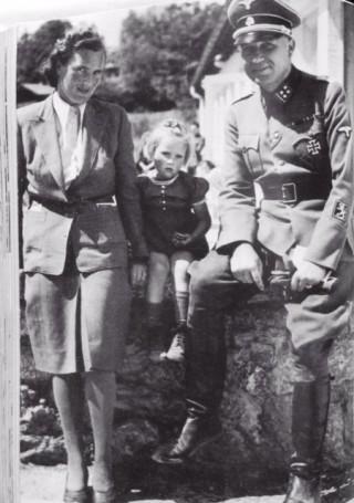 Hans Collani met vrouw en dochter