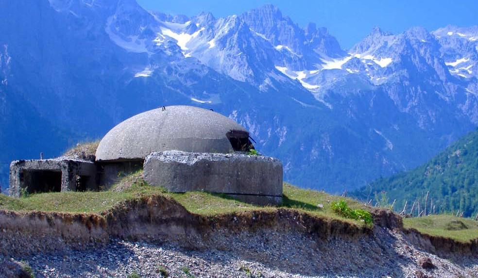 Bunker in de Albanese alpen