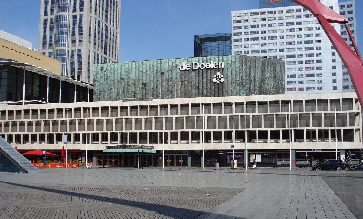 De Doelen aan het Schouwburgplein (cc - F. Eveleens)