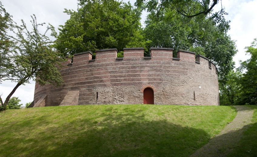 Achterzijde van de Burcht van Leiden (cc - Johan Bakker)