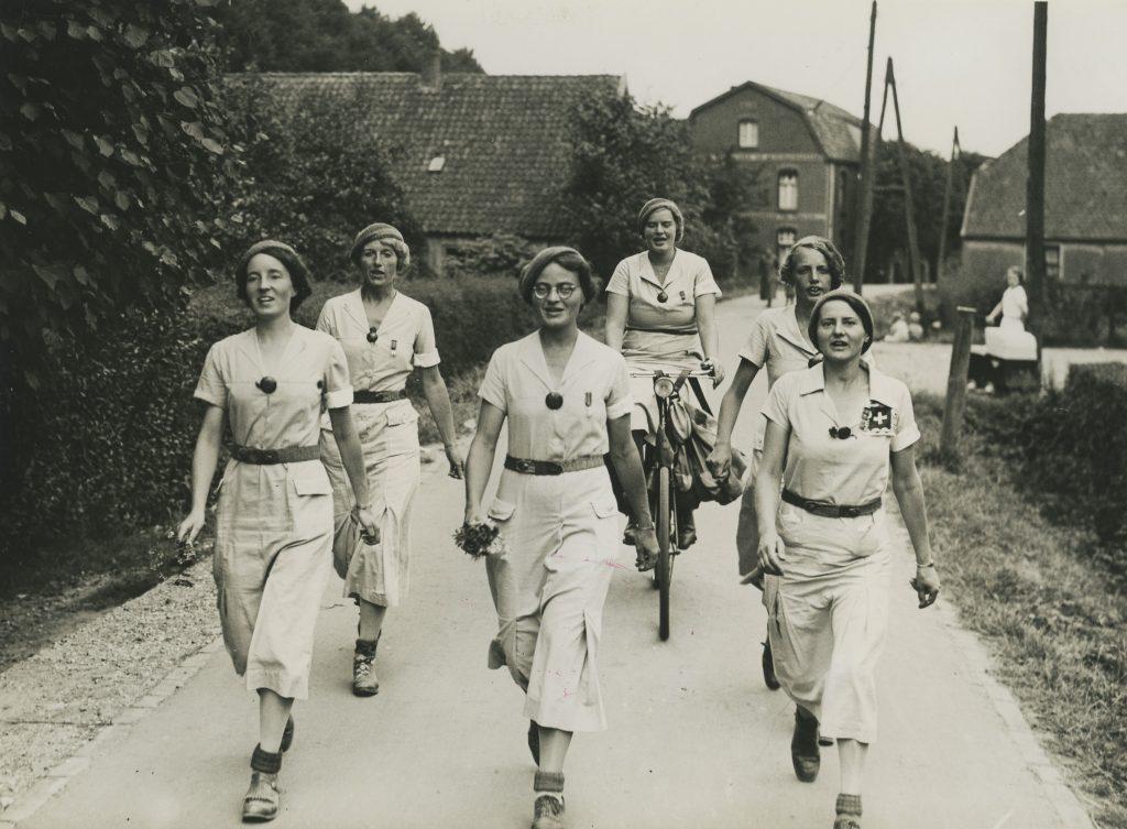 Wandelvereniging Dames Die Doorlopen (Foto Regionaal Archief Nijmegen )