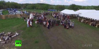 Clash van culturen: Re-enacter doorboort drone met speer