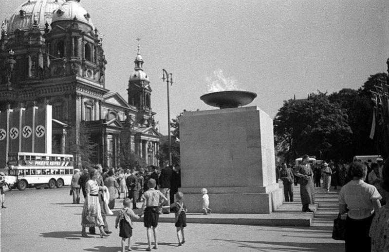 Olympisch vuur in Berlijn, 1936
