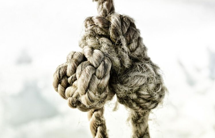 Knoop - De knoop doorhakken