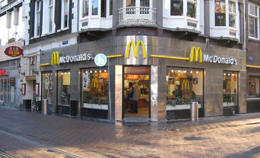 McDonalds in Amsterdam (CC BY 2.5 - wiki)