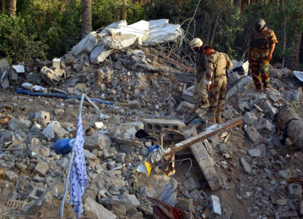 Resten van het huis waarin al-Zarqawi werd getroffen door een Amerikaanse aanval (US Army)