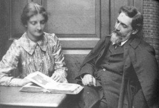 Hilda and Flinders Petrie, 1903.