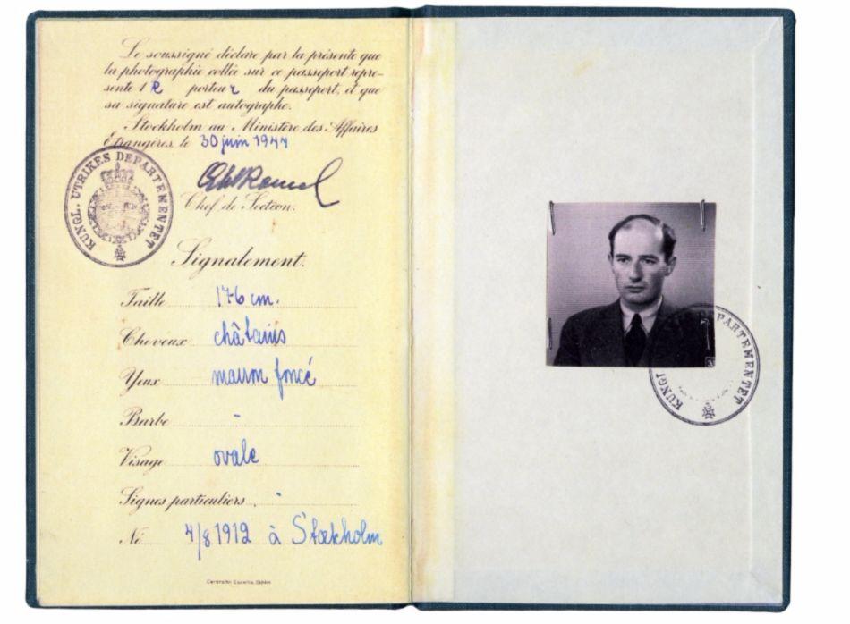 Diplomatieke paspoort van Raoul Wallenberg - cc