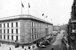 De door Albert Speer ontworpen nieuwe Rijkskanselarij, Berlijn 1939. (Bundesarchiv, fotograaf onbekend)
