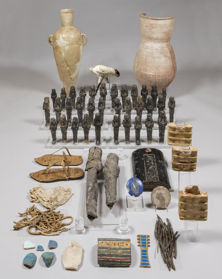 Tientallen grafbeeldjes die de overledenen moesten begeleiden naar het hiernamaals