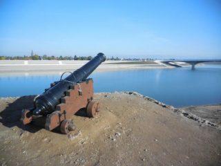 Het kanon bij Fort Knodsenburg (Gemeente Nijmegen)