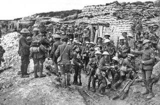 Soldaten tijdens de Slag aan de Somme (IWM)