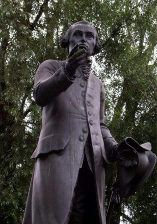 Standbeeld van Kant in Kaliningrad - cc