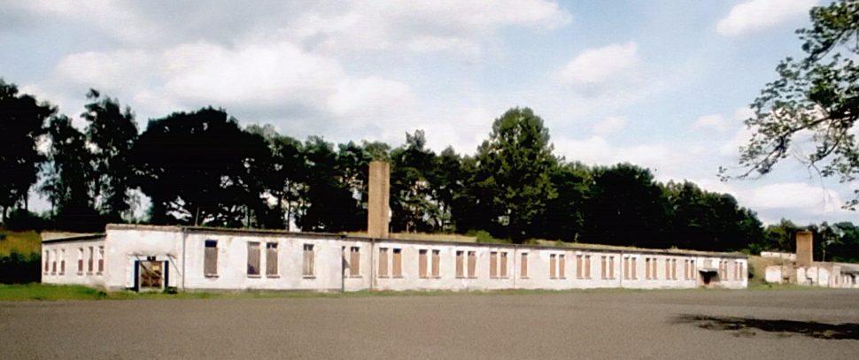 Barakken van het voormalige vrouwenkamp Ravensbrück, - cc