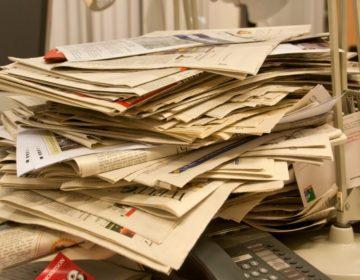 Stapel kranten - cc