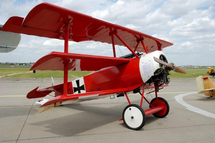 Replica van de rood geschilderde Fokker Dr.I van Manfred von Richthofen - cc