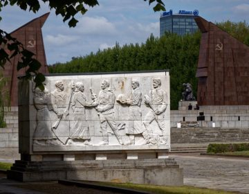 Het Sovjetmonument in Treptow, Berlijn (Robin Oomkes)
