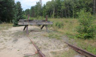Treinspoor bij voormalig vernietigingskamp Sobibor - cc