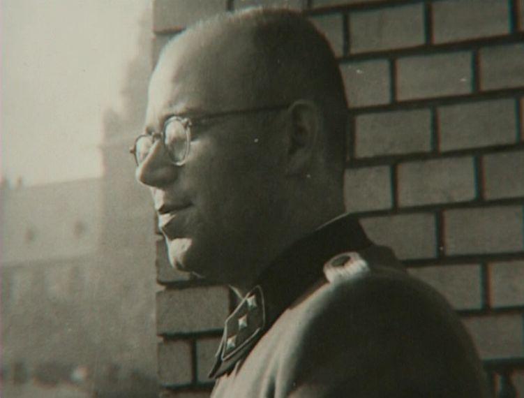 Konrad Morgen als SS-Untersturmführer. Bron: Fritz Bauer Institut.