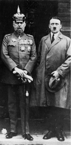 Erich Ludendorff en Adolf Hitler (cc - Bundesarchiv)