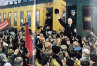 Lenin arriveert in Petrograd (bron onbekend)