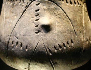 Typische pot uit de bandkeramische cultuur (cc - Landesmuseum Württemberg)