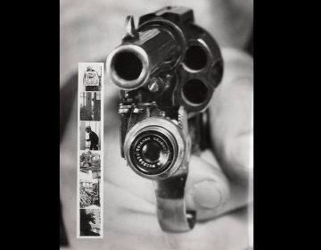 Colt 38 met camera (Nationaal Archief / Spaarnestad Photo / Het Leven / Fotograaf onbekend, SFA022824639)