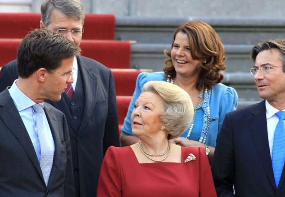 De bordesscène in 2010 (Rijksoverheid).