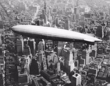 Zeppelin ZR-3 USS Los Angeles boven Manhattan