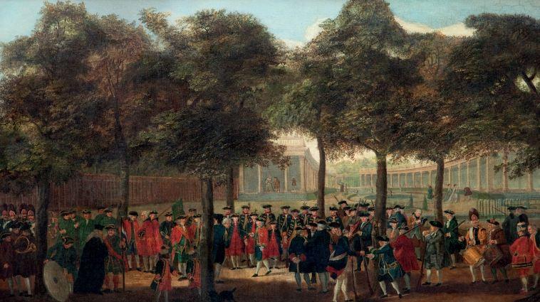 3 T.P.C. Haag, De schutterij op Het Loo, circa 1770. Bij een boom op de voorgrond zijn Cupido en Sideron afgebeeld.