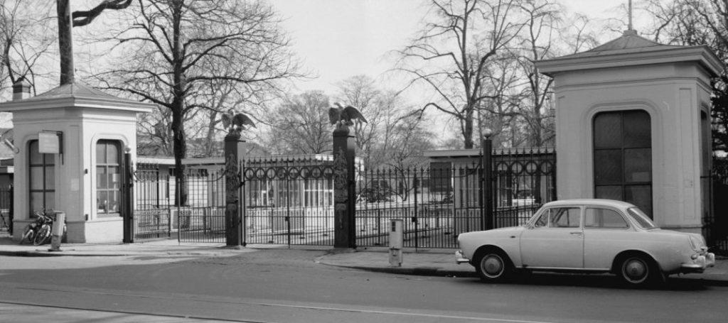 Ingang Artis 1964. Bron: cc/RCE