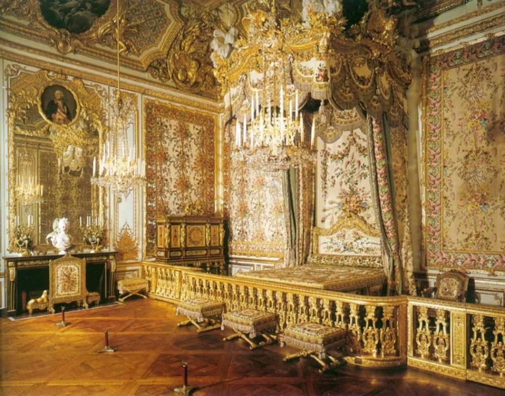 De slaapkamer van Marie Antoinette in het grote appartement van de koningin