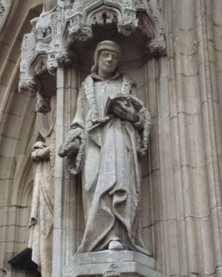 Erasmus op de gevel van het stadhuis van Leuven (Foto Edwin Ruis)