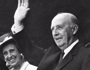 Francisco Franco met zijn vrouw Carmen Polo in 1968 (cc - Nationaal Archief - Anefo)