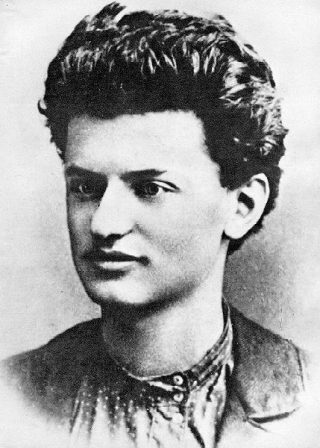 Lev Davidovich Bronstein, 1897 (Leon Trotski)